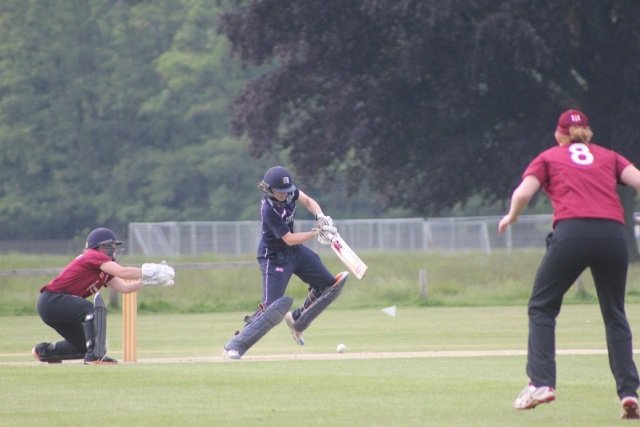 Middlesex_Women_team_Bushy_Park_Girls_29_05_2016_a